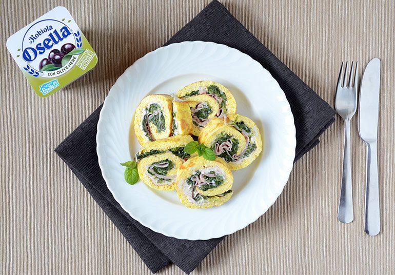 Rollè di frittatina agli spinaci, prosciutto cotto e Robiola Osella con Olive Nere