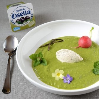 Pea soup with herbs and Robiola Osella with Black Olives