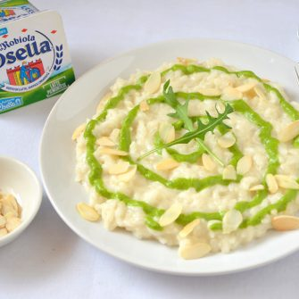 Creamy risotto with rocket and almond pesto