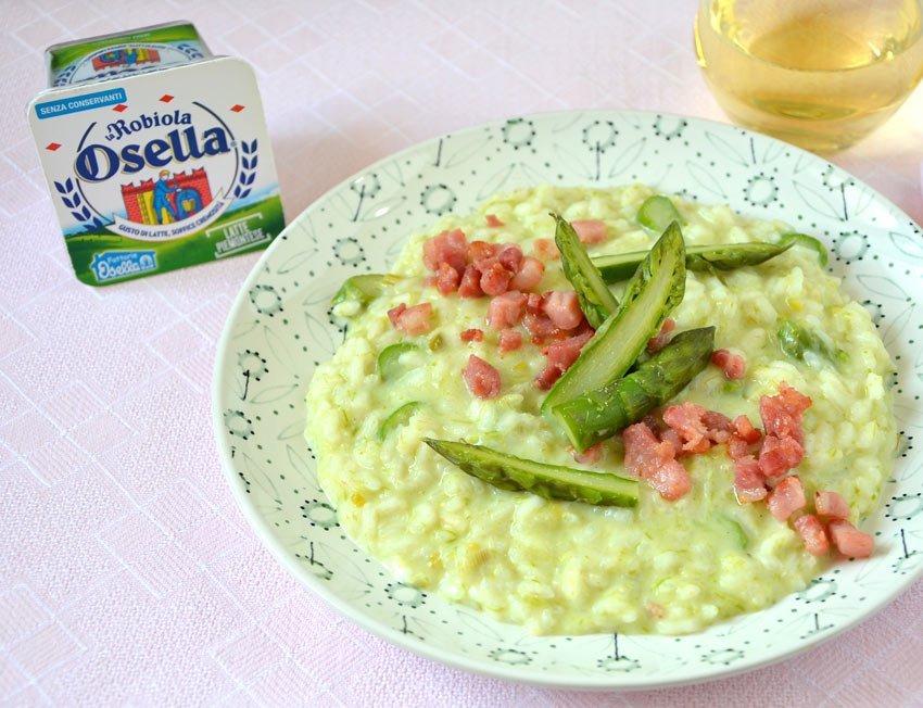 Risotto con crema di asparagi e pancetta croccante - Ricette Fattorie Osella
