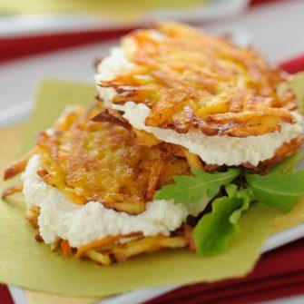 Frittelle di patate e carote farcite alla robiola