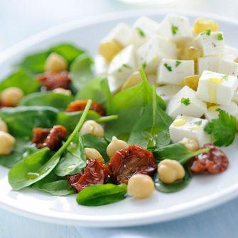 Linea con ceci, spinacini e pomodorini secchi