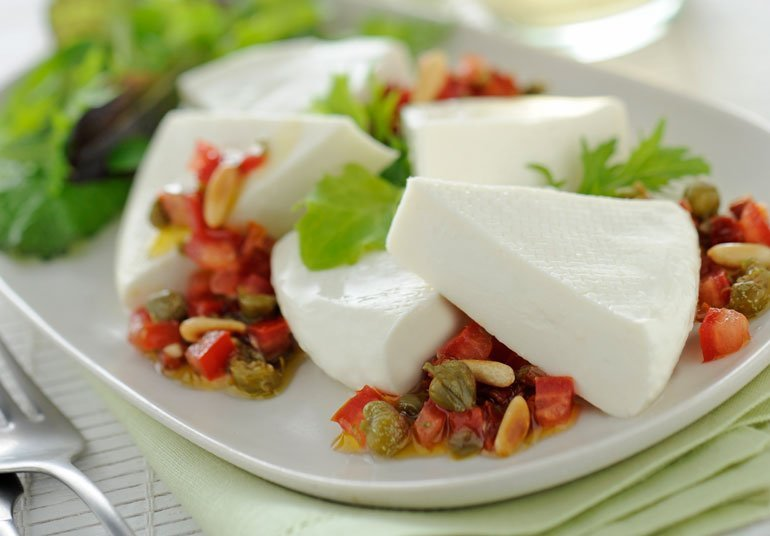 Linea con tartare di aromi mediterranei