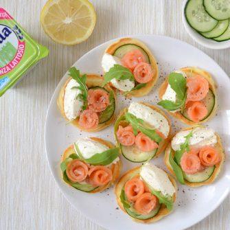 Mini savoury pancakes with salmon, rocket and lactose-free Robiola Osella