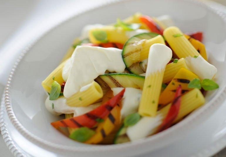 Pasta cremosa alla robiola con verdure grigliate