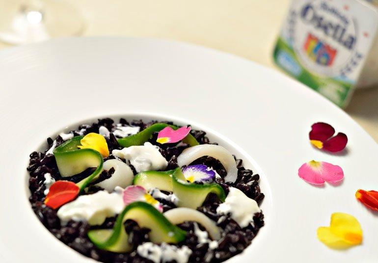 Riso Venere con calamari, zucchine e Robiola classica